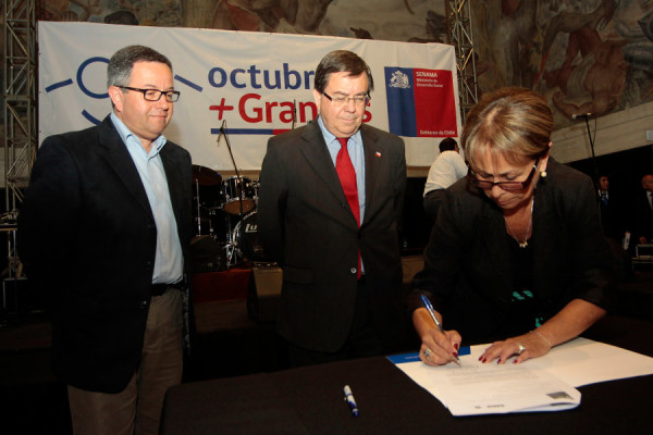 firma convenio reinserción laboral del adulto mayor