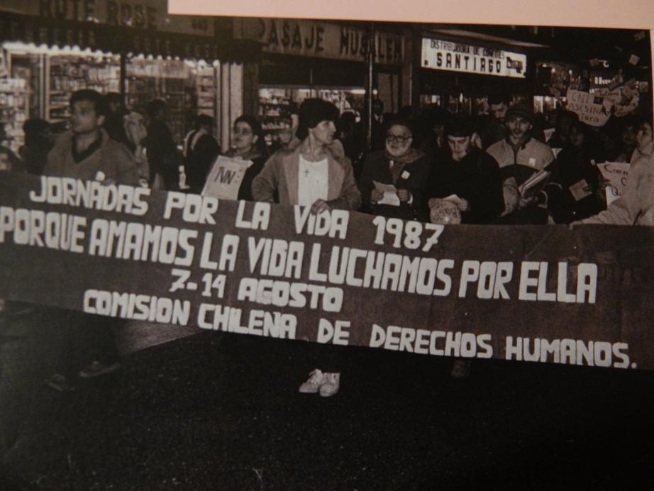 Marcha Jornada por la Vida organizada por la Comisión Chilena de DDHH en Concepción.